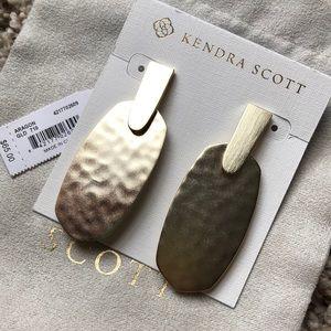 NWT Kendra Scott Aragon Earrings